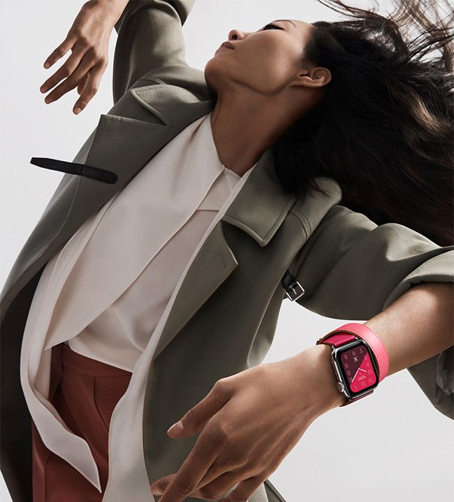 The new Apple Watch Hermès collection introduces a stunning assortment of color-blocked bands