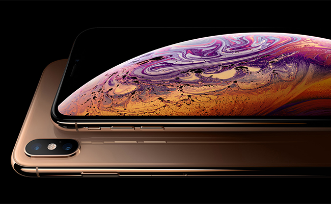 Though similar to the iPhone X in design, the iPhone XS Max has a lot of amazing features that set it apart from other mobiles