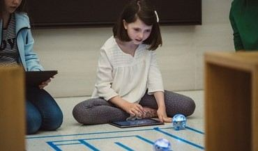 swift playground girl - Swift Playgrounds Expands Coding Education