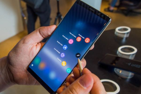 Samsung Galaxy Note 9 in work. Source of the photo: techradar.com.
