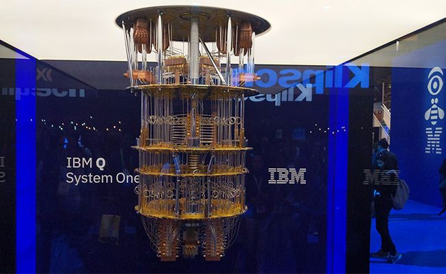 Of course, CES 2019 visitors saw just a replica of IBM Q System One™, but it gave a general impression of what the real quantum computer looks like.