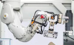 Apple's Daisy Robot Recovers Valuables Materials