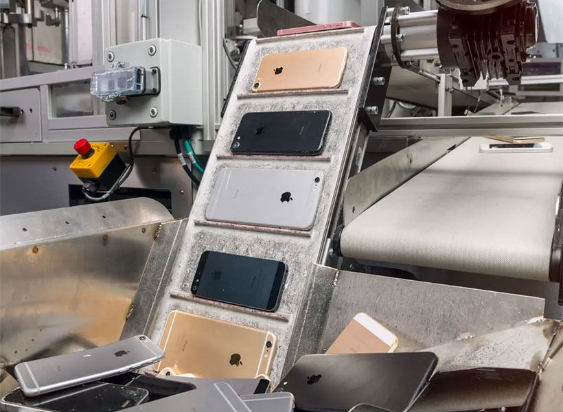 apples daisy robot recovers valuables materials iphone - Apple's Daisy Robot Recovers Valuables Materials